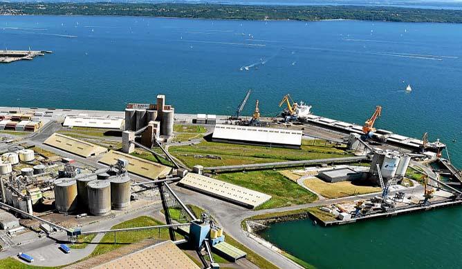 25 000 tonnes de maïs toxique stockées sur le port de Brest